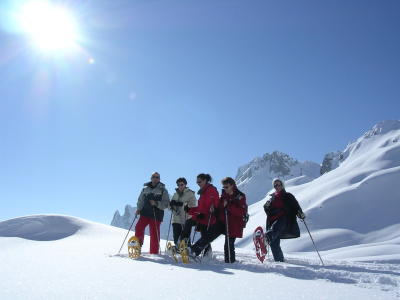 1/2 day Snowshoeing hike and savoyard restaurant