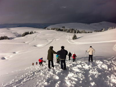 Snowshoeing and local products tasting