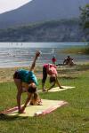 Yoga sur la plage de la Crique