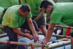 Construction de radeaux avec Annecy Aventure